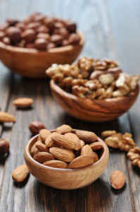 Almonds and cachews imrpove blood sugar regulation