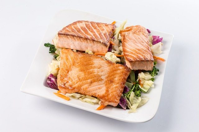 low-carb-meal-for-diabetes-salmon-and-vegetable