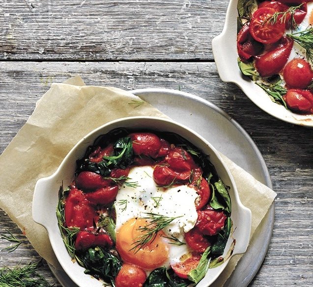 Cropped-Baked-Eggs-Spinach-and-Labneh
